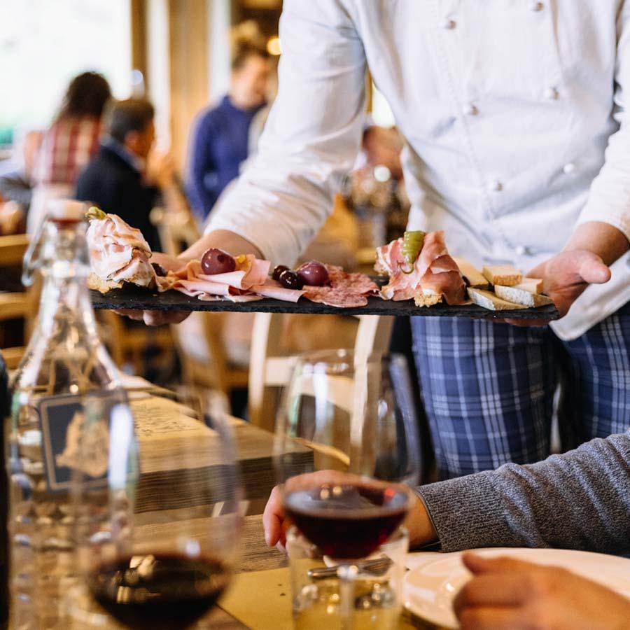 La cucina casalinga sul lago Maggiore è al Grotto Carza